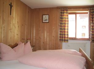 Double room, shower, 1 bed room